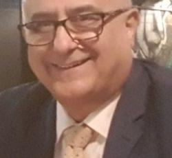 وکیل دادگستری استرالیا (عضو کانون وکلای ایالت نیو ساوت ولز) با تخصص مهاجرت و مشاور رسمی مهاجرت (Migration Agent) عضو مارا